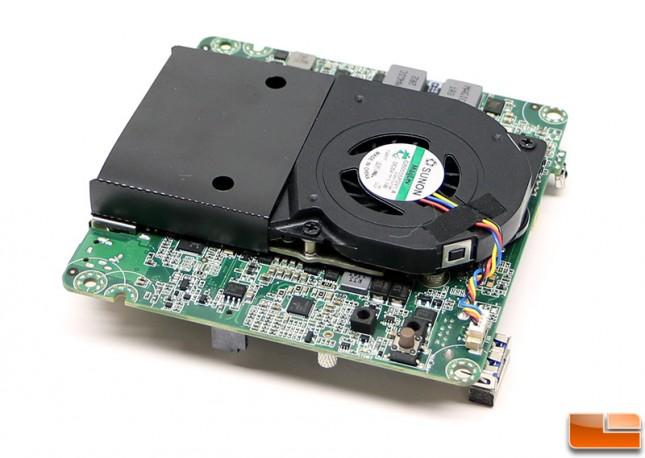 intel-nuc-DN2820FYKH-motherboard3