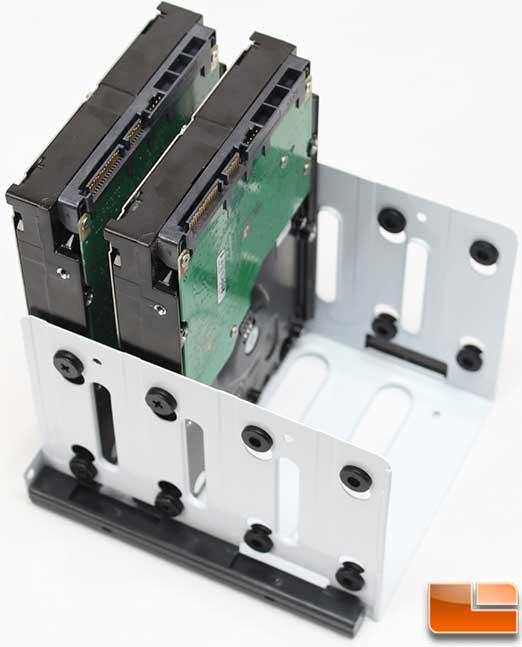 Fractal-Design-Node-804-Install-drives.jpg