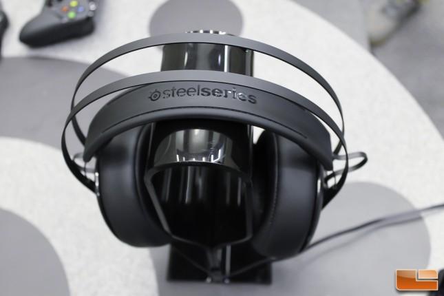 E3_SteelSeries-3