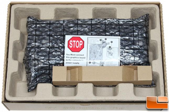 Sapphire-DualX-R9-280-Packaging-Internal