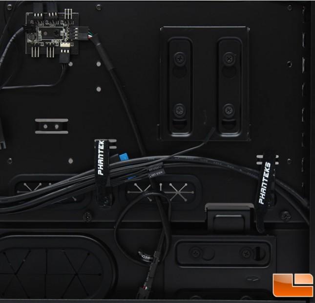 Phanteks-Enthoo-Luxe-Internal-Fan-Hub-and-SSD