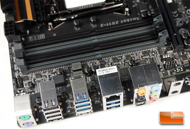 GIGABYTE X99-UD4P DIMM Slots