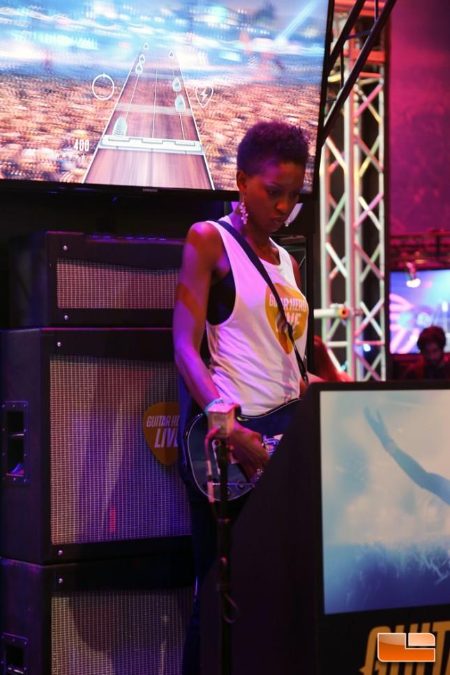 E3_2015_Booth_Babes-D30