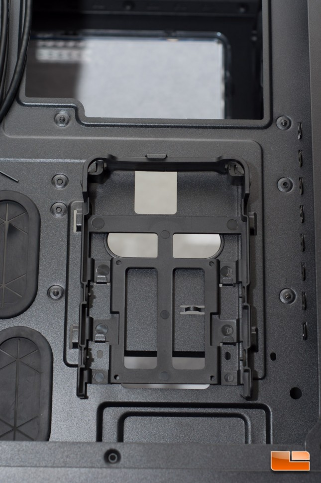 Thermaltake Core X71 - HDD Tray
