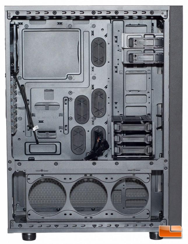 Thermaltake Core X71 - Lower Chamber Open