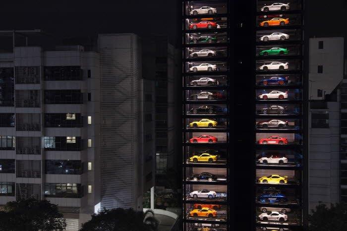 Autobahn Motors In Singapore Has The Largest Luxury Car