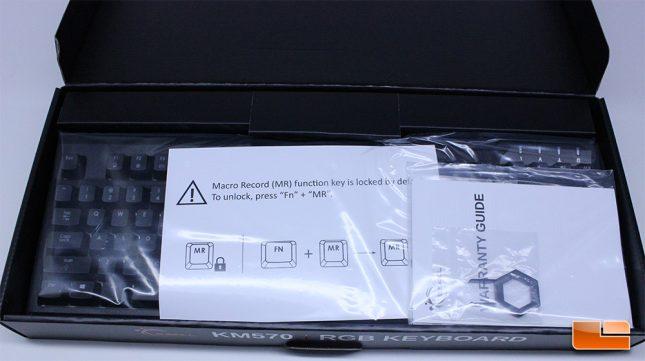 KM570 RGB - Opening The Retail Box