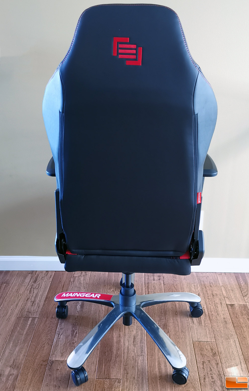 Awe Inspiring Maingear Forma R Nero Gaming Chair Review Legit Reviews Andrewgaddart Wooden Chair Designs For Living Room Andrewgaddartcom