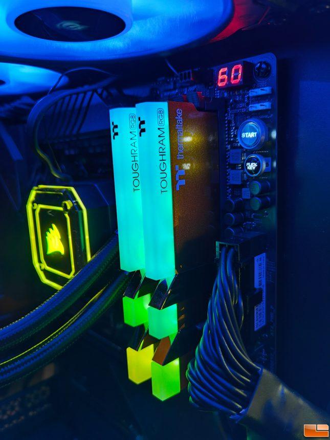 Thermaltake TOUGHRAM RGB DDR4 3600 Metallic Gold