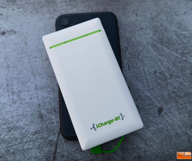 iCharge-it Power Bank on iPhone XR